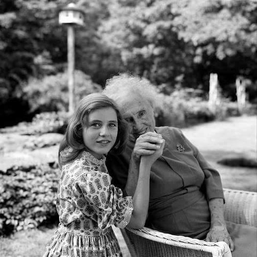 Patty Duke and Helen Keller in 1961