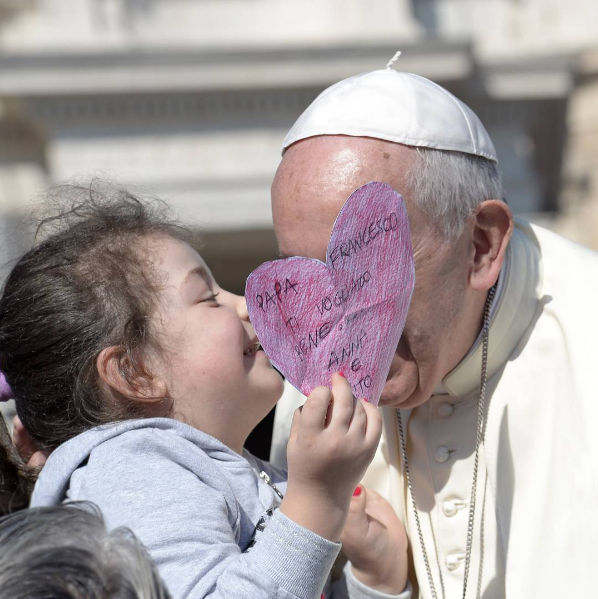 Pope Francis finds a friend at Wednesday's General Audience (from Pope's Instagram Account)