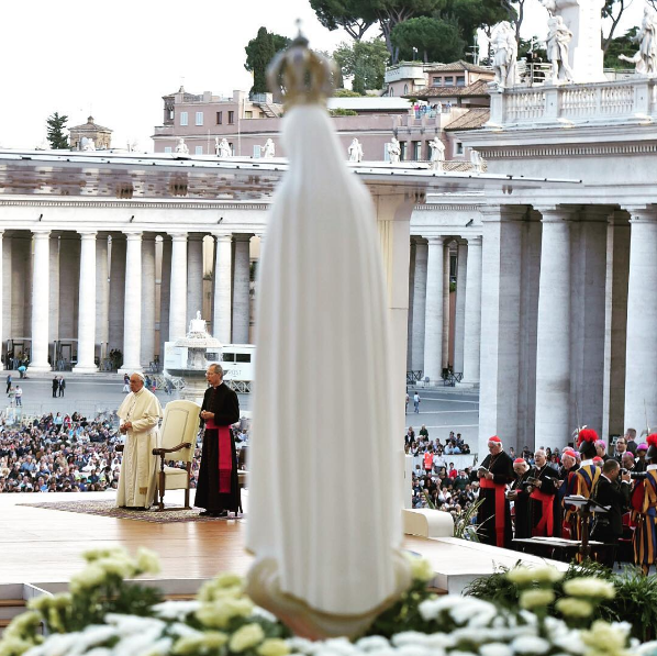 "Pope Francis on Instagram: Let us ask our Lady to help us recognize that everything is God's gift, and to be able to say ""Thank you"""